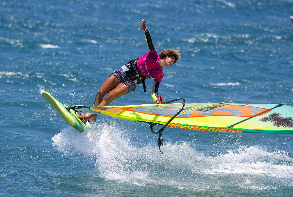 Sarah-Quita windsurfing